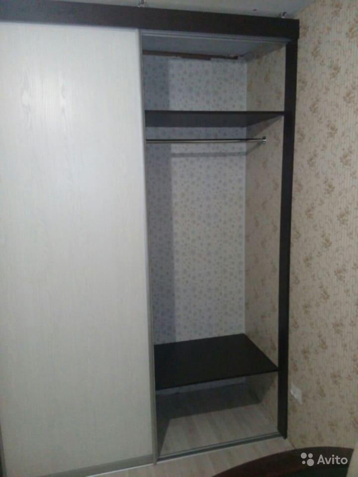 Фото встроенного шкафа с зеркалом на заказ в Волжском
