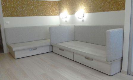 Кровать с выдвижным ящиком на заказ