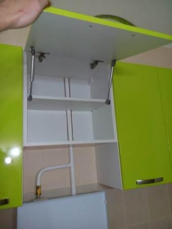 Навесной шкаф над плитой - клиент решил не устанавливать вытяжку