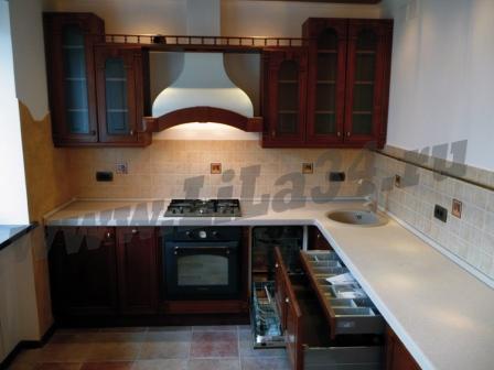 Кухня массив орех-встроенная техника
