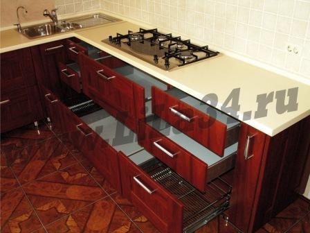 Кухня угловая-махагон