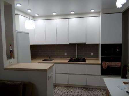 Угловая кухня на заказ в Волжском