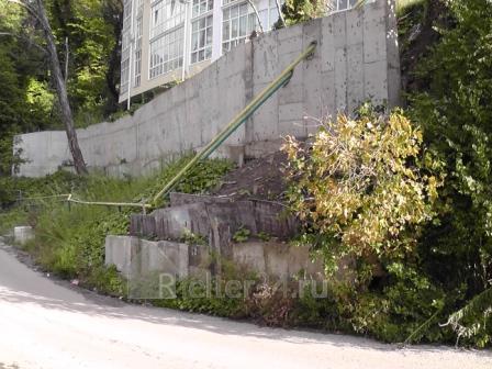 Аварийный дом в Хосте