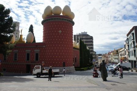 Театр-музей Сальвадора Дали в городе Фигерас